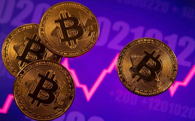 S&P Dow Jones brings bitcoin, ethereum to Wall St with cryptocurrency indexes